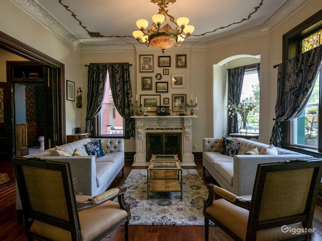Elegance, history & modern amenities @ Burch Manor Photo 3