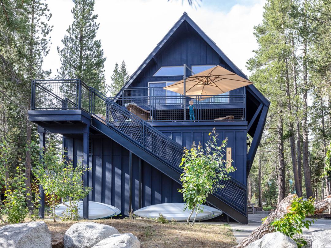 Van Norden Lodge: Serene Lakes Photo 1