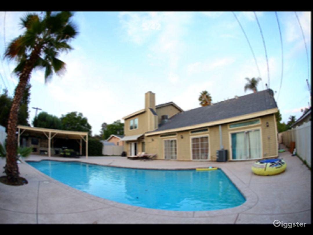 Beautiful Home in San Fernando Valley Photo 3