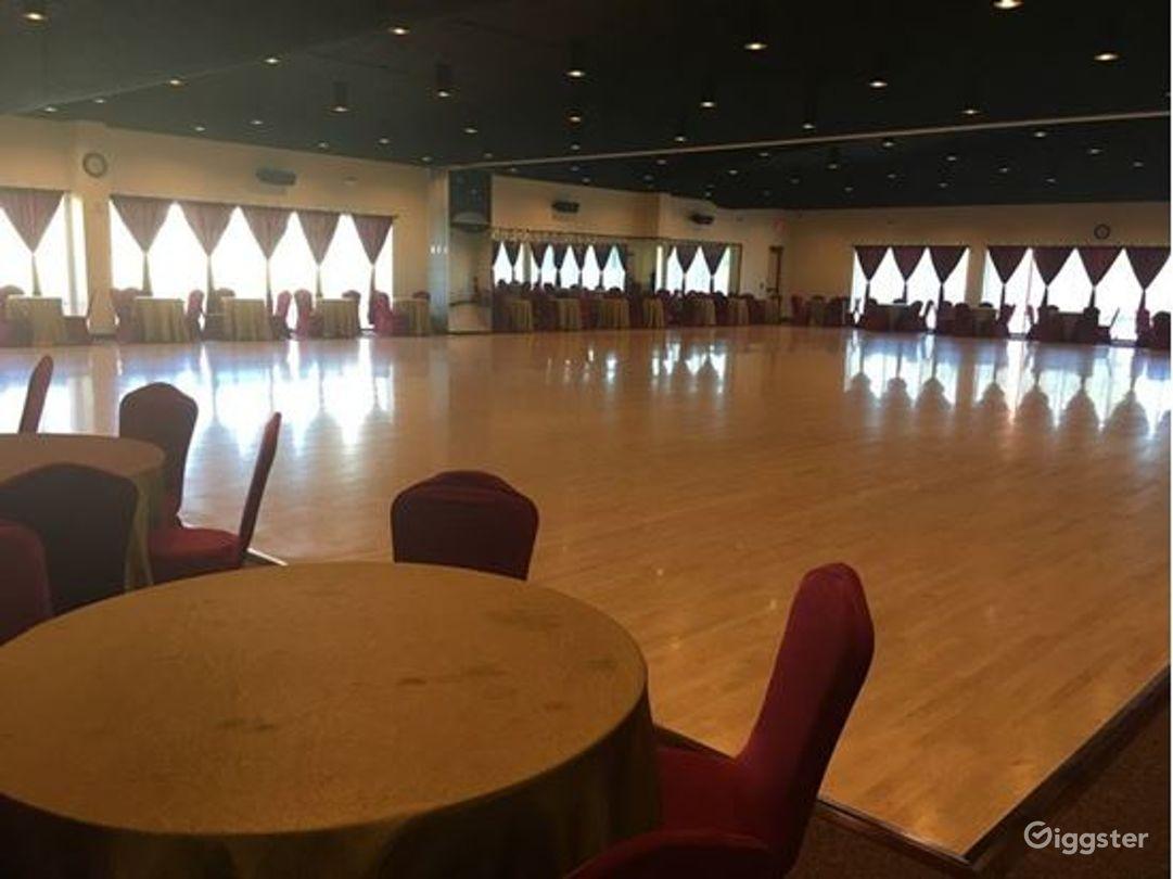 Extravagant Grand Ballroom in Houston Photo 1