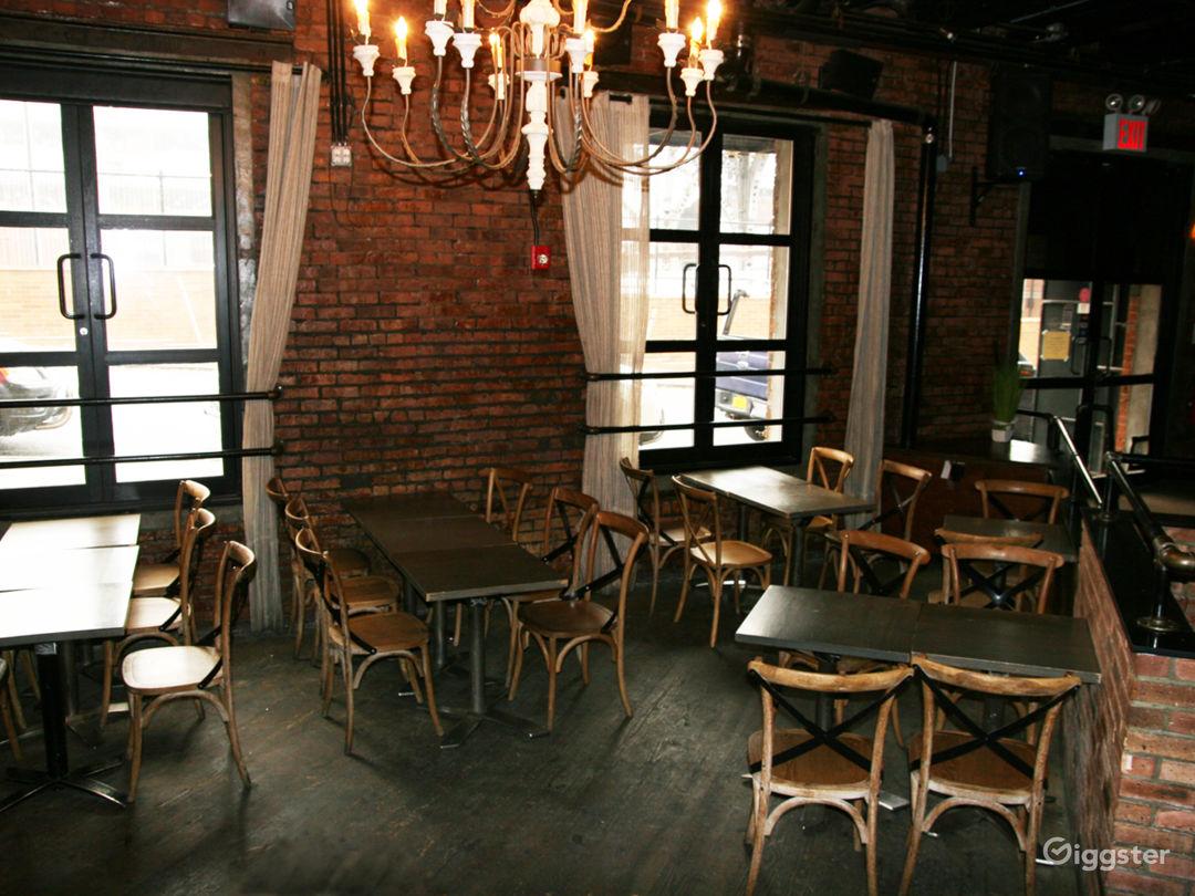 Bar/ restaurant Photo 2