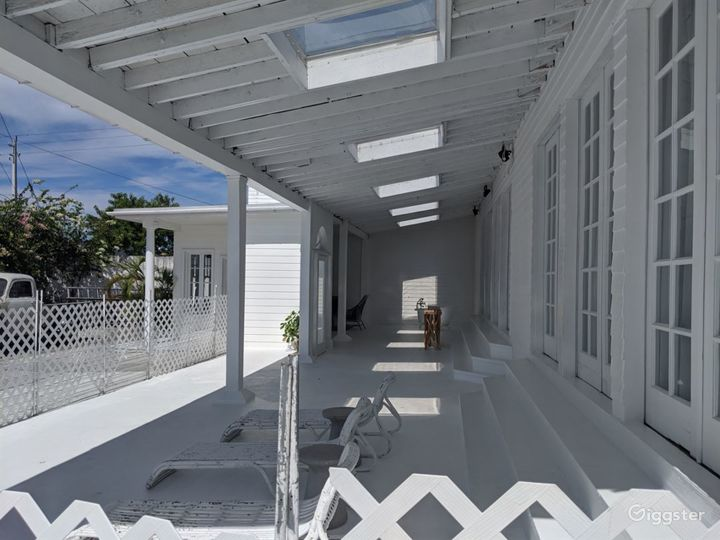 Bright and Airy Terrace Studio in Miami Photo 2
