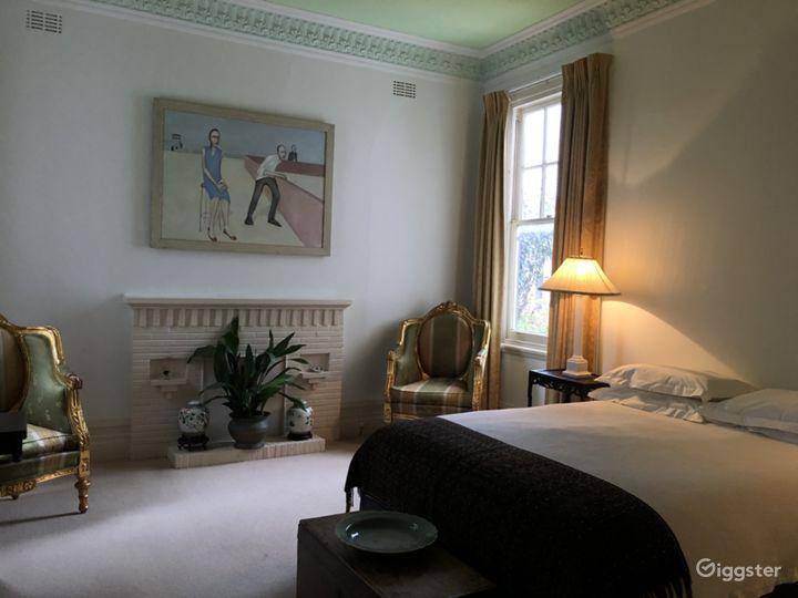 Bedroom grandeur