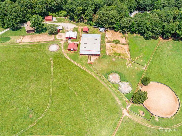 Pristine Horse Farm Photo 5