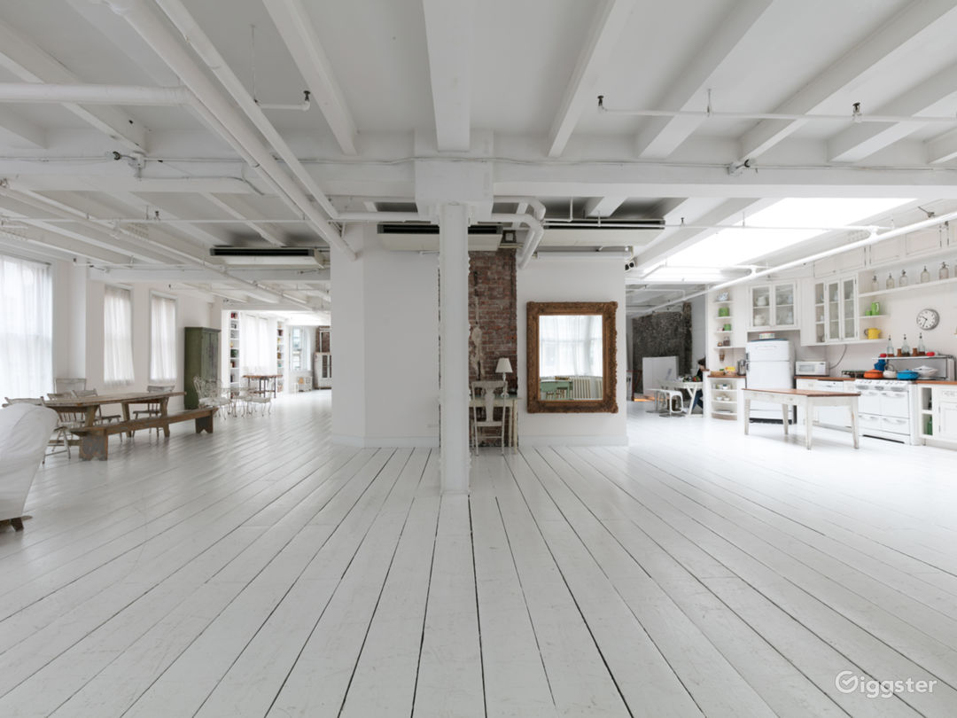 Fully-Furnished 4500 sq ft Penthouse in Manhattan Photo 1