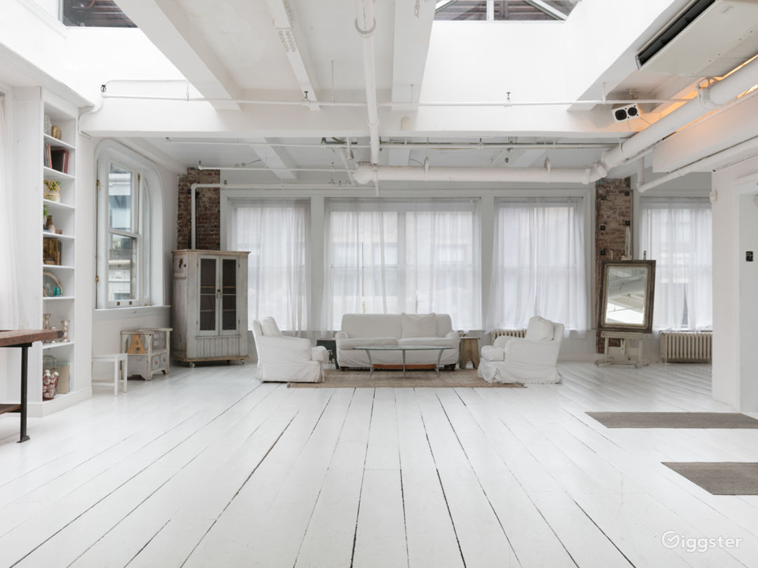 Fully-Furnished 4500 sq ft Penthouse in Manhattan Photo 2