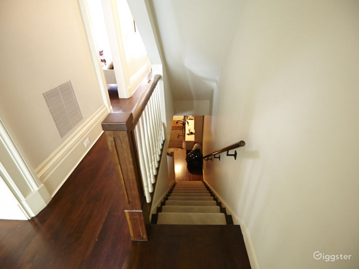 Contemporary townhouse: Location 5055 Photo 5
