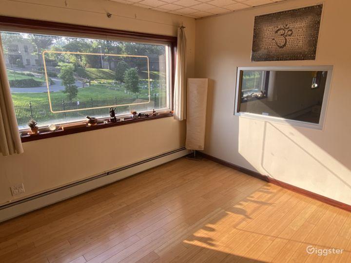 Aesthetic & Spacious Yoga Studio in Brooklyn Photo 4
