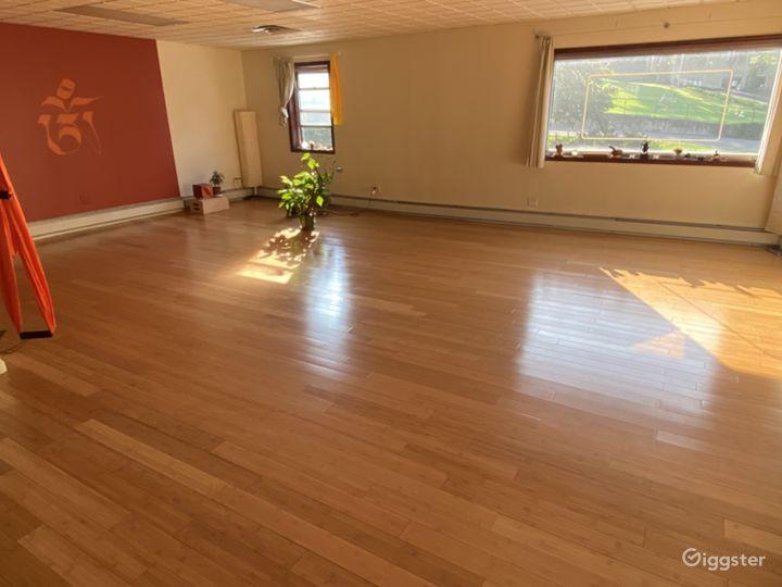 Aesthetic & Spacious Yoga Studio in Brooklyn Photo 2