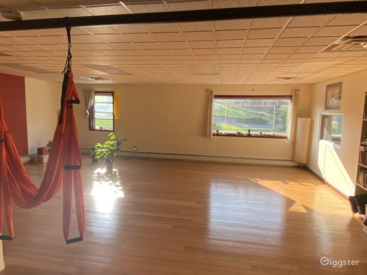 Aesthetic & Spacious Yoga Studio in Brooklyn Photo 3