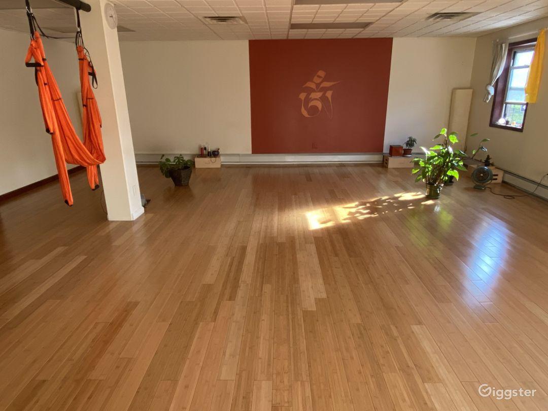 Aesthetic & Spacious Yoga Studio in Brooklyn Photo 1