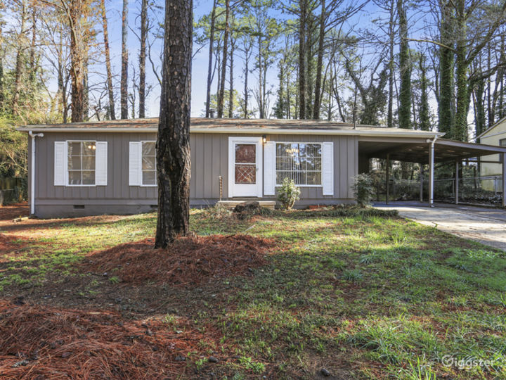 Lovely remodeled Doraville home convenient to 85