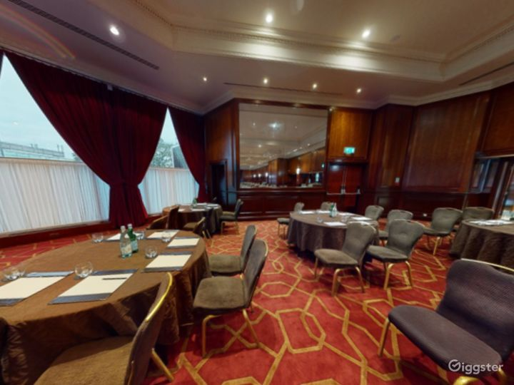 Elegant Commonwealth - West Large Conference Suite in London, Heathrow Photo 2