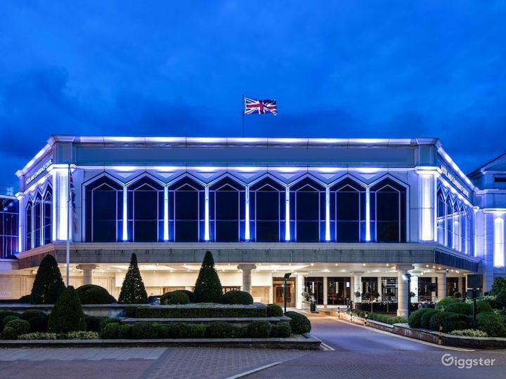 Elegant Commonwealth - West Large Conference Suite in London, Heathrow Photo 5