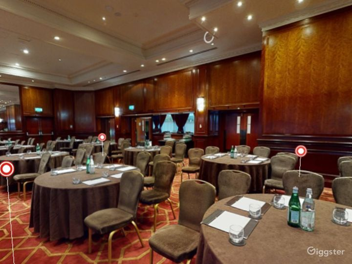 Elegant Commonwealth - West Large Conference Suite in London, Heathrow Photo 3