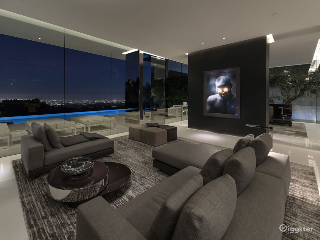 Beverly Hills Glass House Photo 4