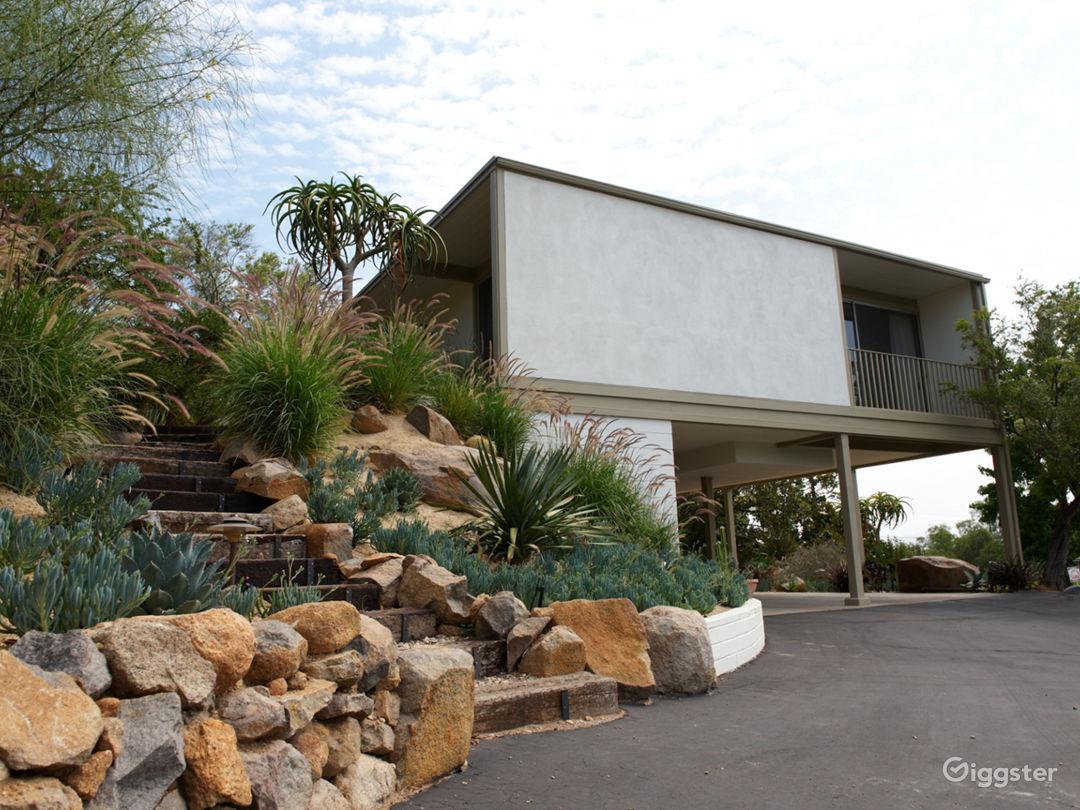 Award-Winning Mid-Century Modern Home Photo 2