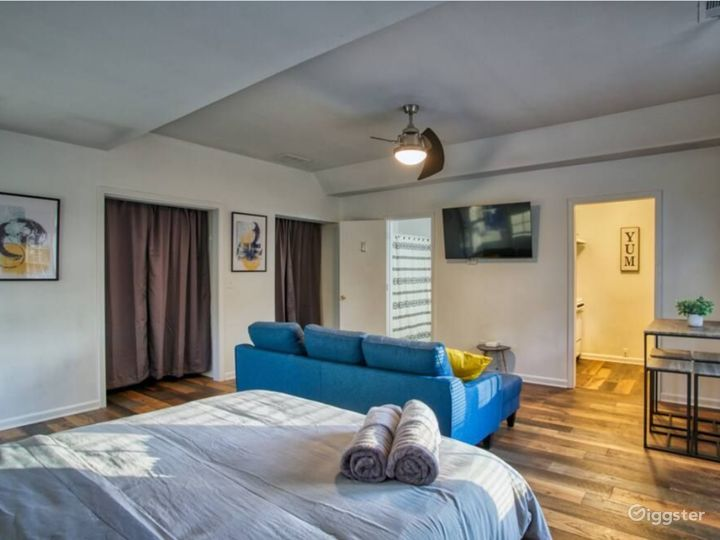 Renovated Home in Midtown - 9 Bedrooms Photo 3