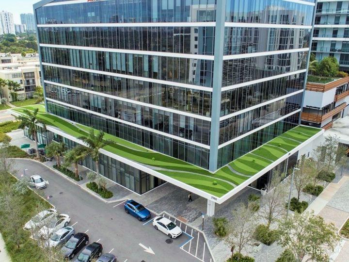 Aventura Park Square- Iconic Located on 3rd floor