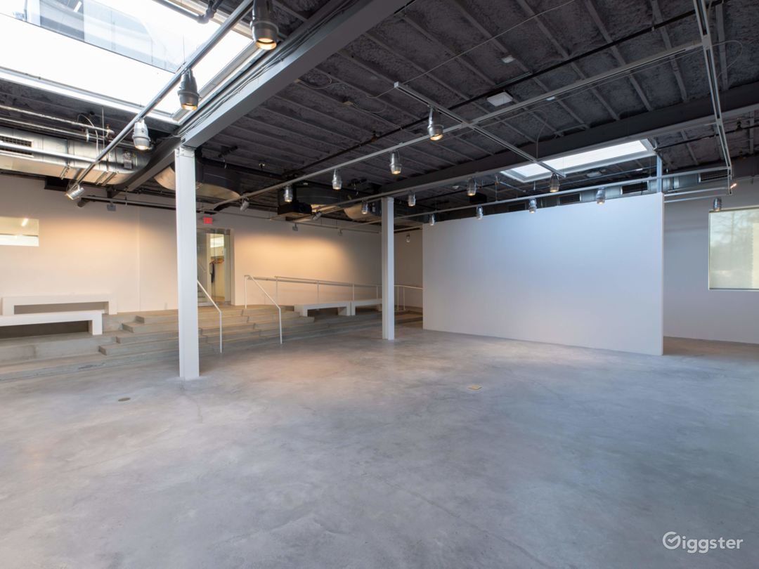 Spacious Gallery in Connecticut Photo 1