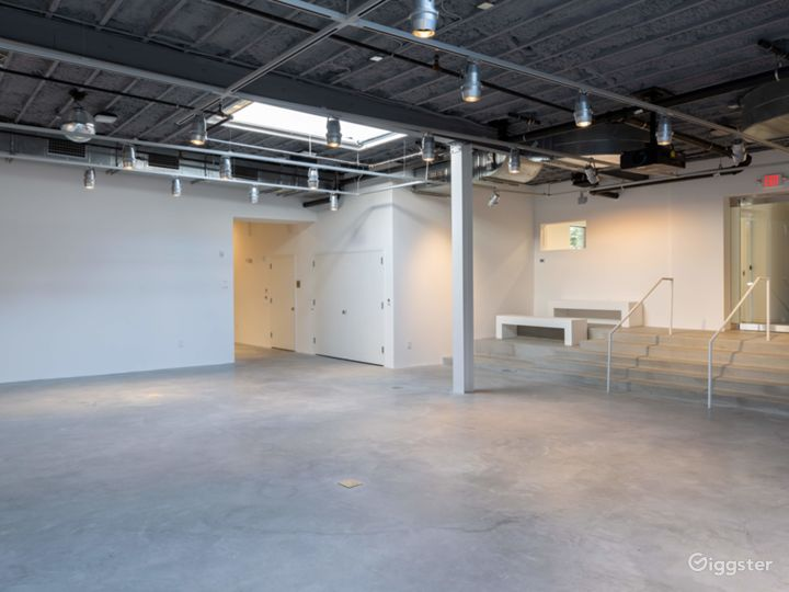 Spacious Gallery in Connecticut Photo 2