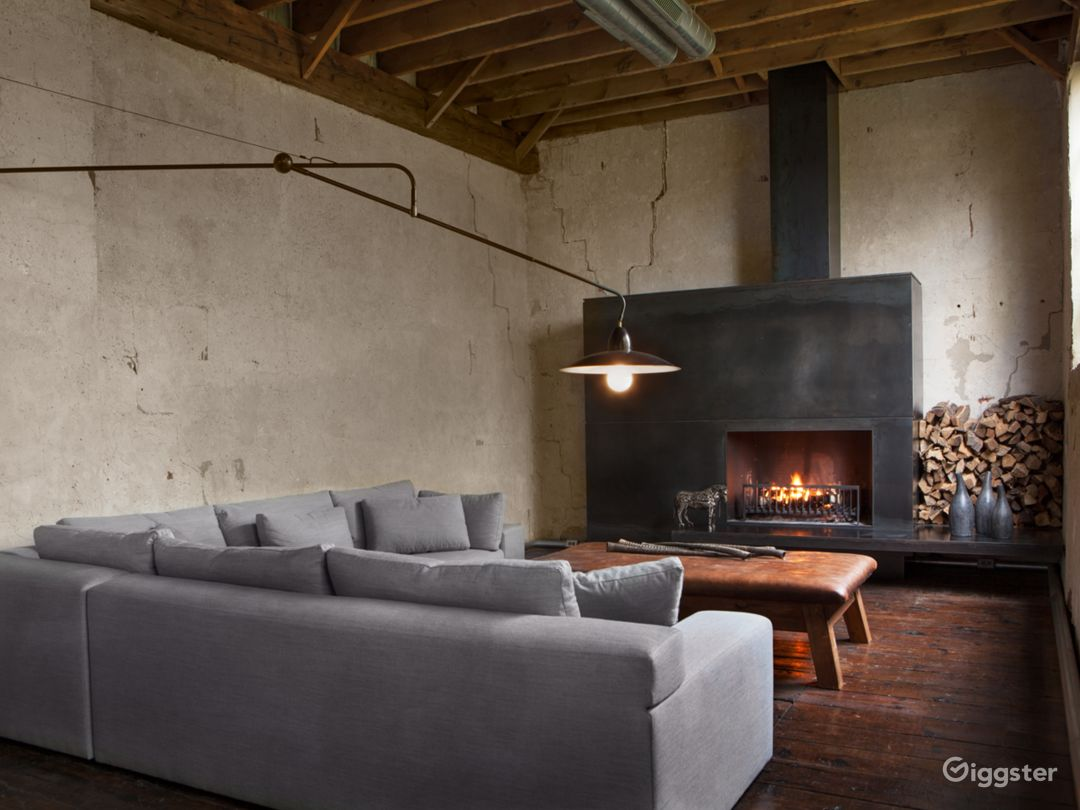 Minimalist Home   Former Charcoal Factory  Photo 4