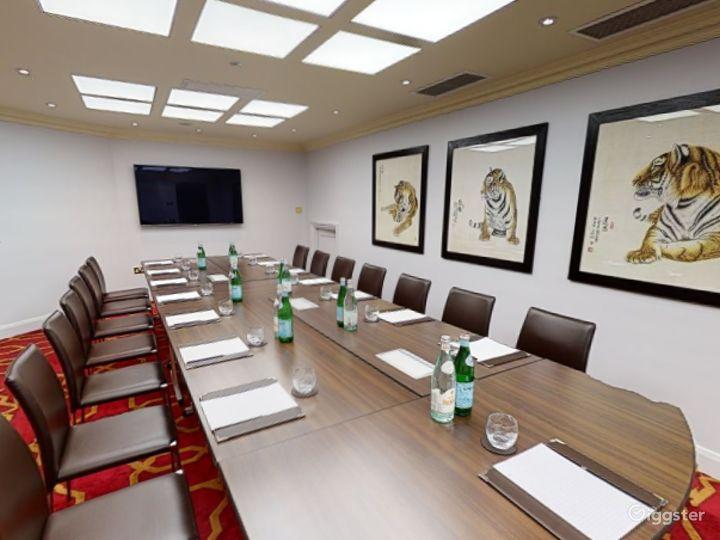 Prestige Private Room 42 in London, Heathrow Photo 4