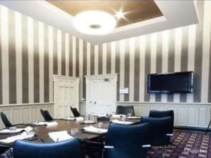 Intimate Caledonian Room in Glasgow