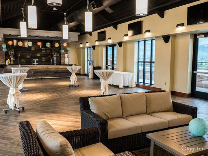 Elegant Rooftop Lounge Photo 5