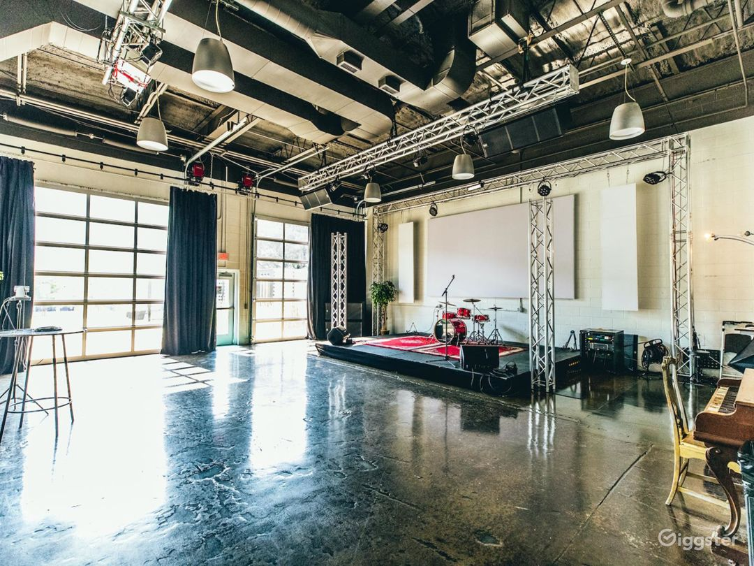 Live Room for events doubles as a natural light photo studio.