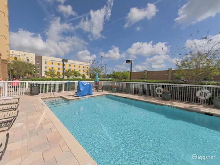 Spacious and Open Pool Space in Lakeland Photo 2