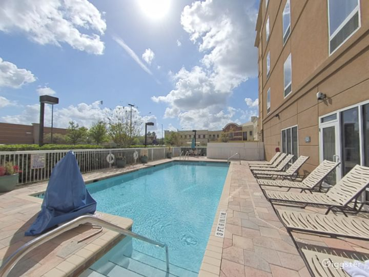 Spacious and Open Pool Space in Lakeland Photo 5