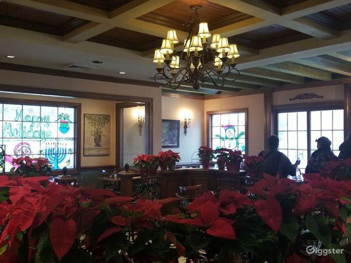 Intimate Indoor Dining Restaurant  Photo 3
