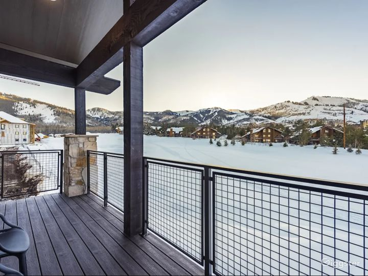 Mountain View Penthouse in Park City Photo 2