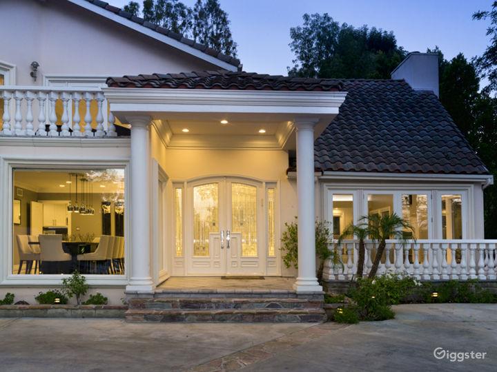Private Contemporary Luxury Photo 3