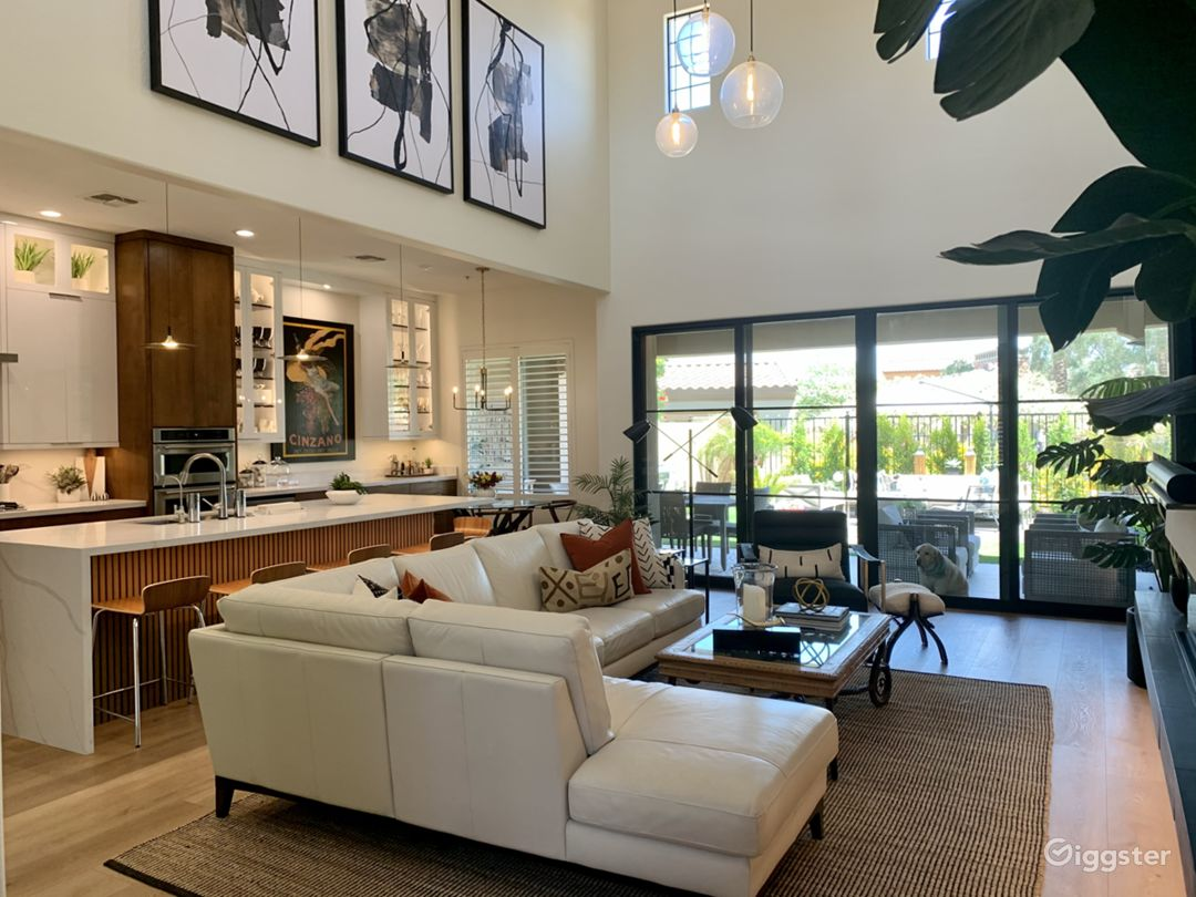 Open & Bright Modern Home with Indoor/Outdoor Feel Photo 1