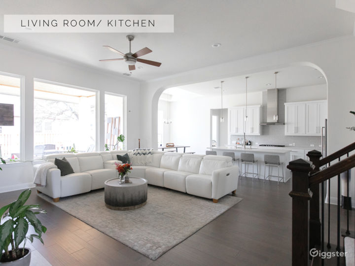Bright White, Modern, Luxury Home Photo 2