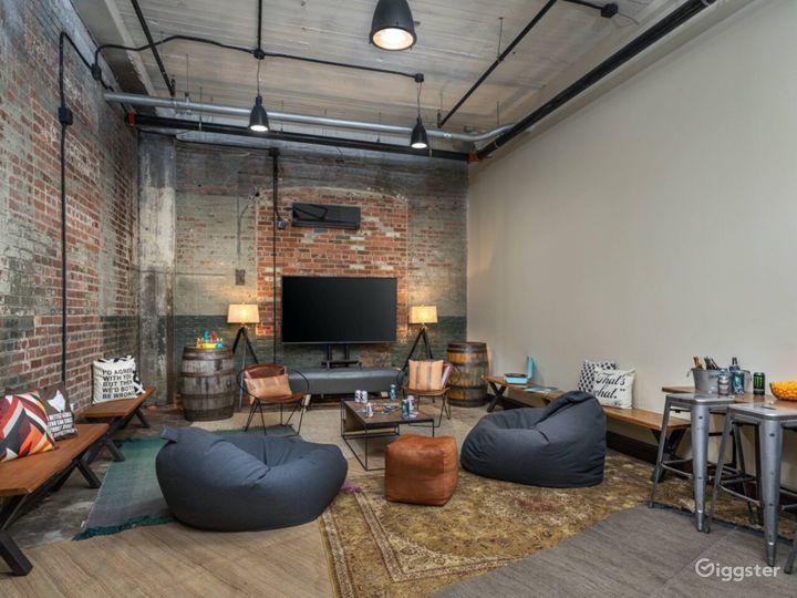 Modern and stylish study/boardroom