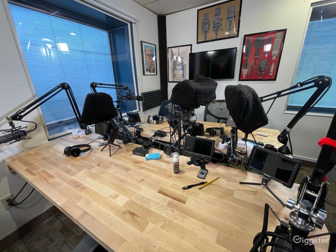 Pod Room Audio Podcasts Photo 1