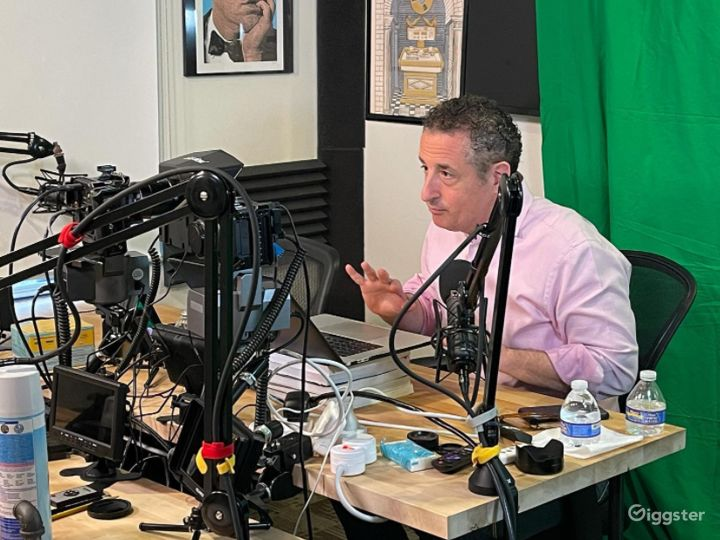 Pod Room Audio Podcasts Photo 5