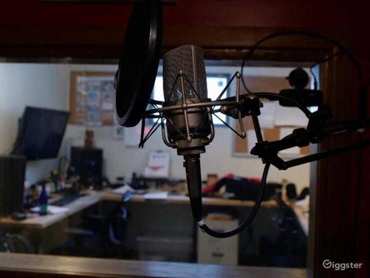 Pod Room Audio Podcasts Photo 4