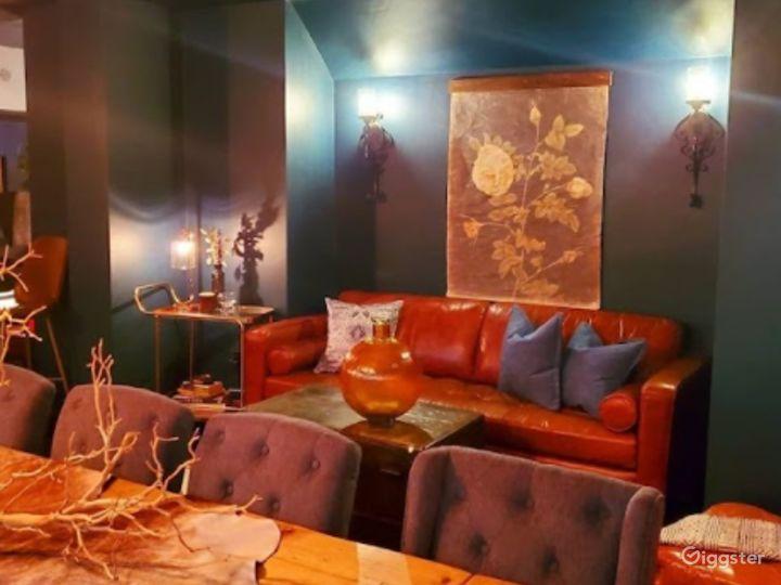 Cozy Cafe in LA Photo 4