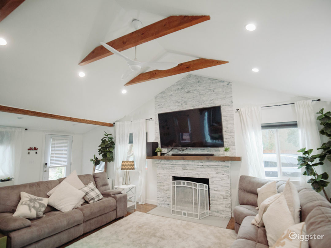 Open Bright White House Vaulted Exposed Beams Rent This Location On Giggster