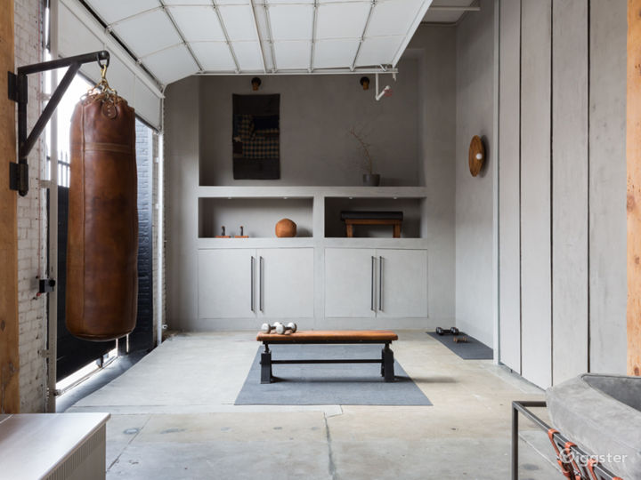 Home gym featuring Itani Athletic equipment