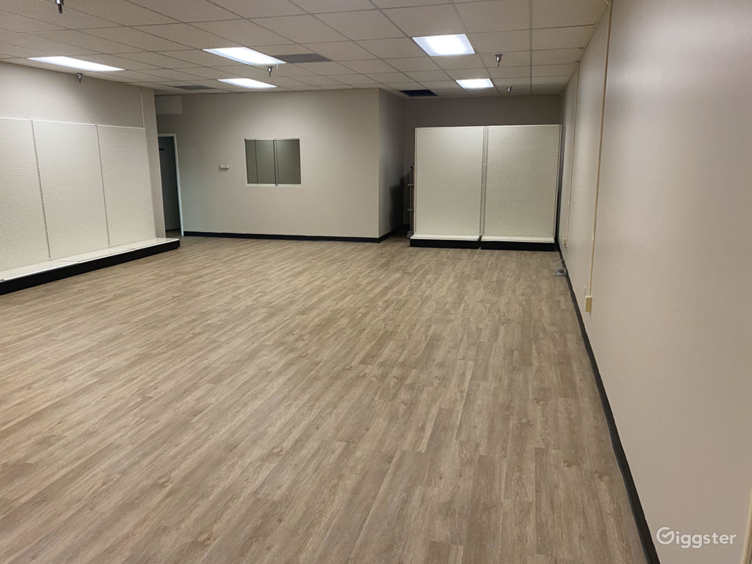 Empty Retail Store with brand new wood floors Photo 1