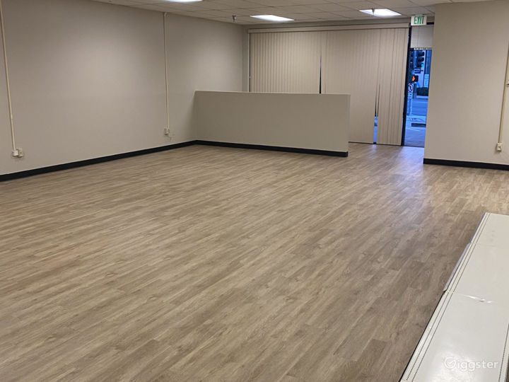 Empty Retail Store with brand new wood floors Photo 5