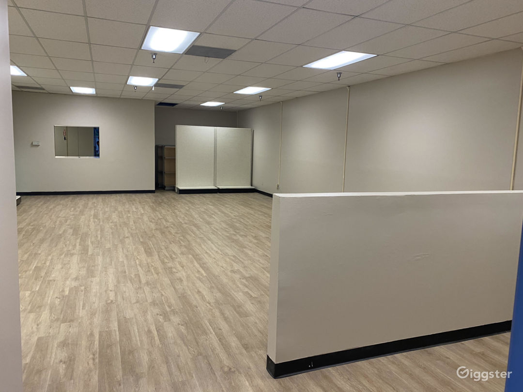 Empty Retail Store with brand new wood floors Photo 3