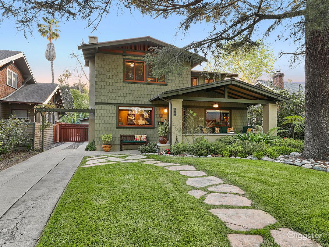 Vista Street Bungalow: Sunny Craftsman Bungalow With Beautiful Yards