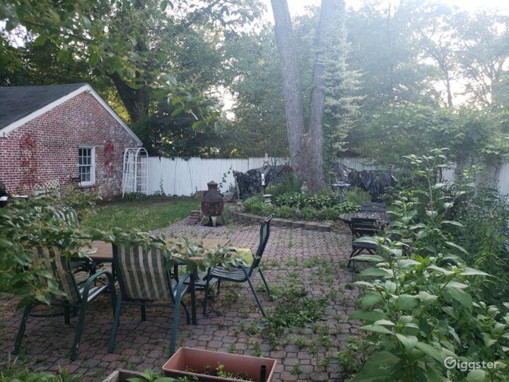 Garden & Detached Garage
