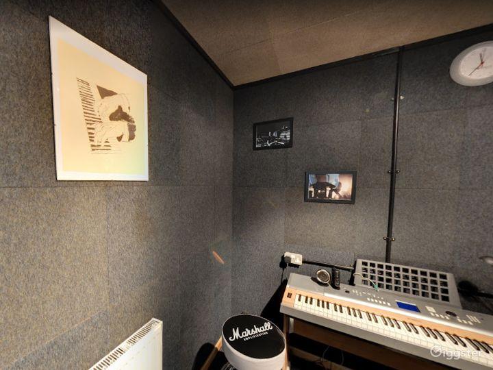 Music Room 7 in Birmingham Photo 3